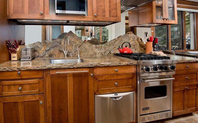 Mccoy Peak Lodge r02 - photo 9