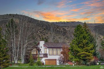 210 June Creek Road W Edwards, CO 81632