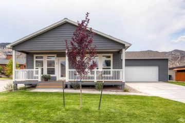 152 Brook Trout Loop Gypsum, CO 81637