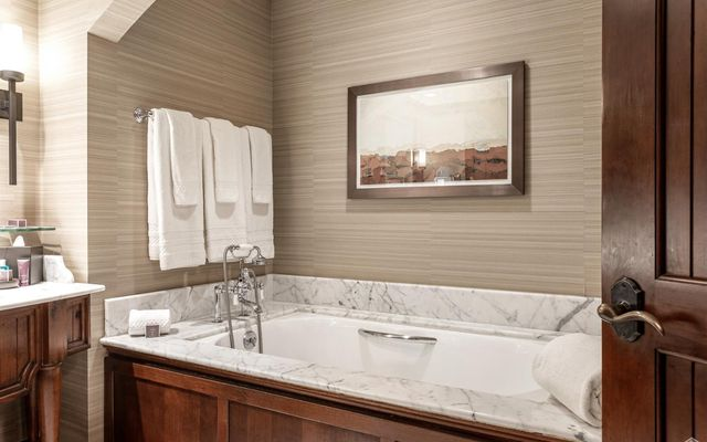 Ritz Residential Suites hs707 - photo 11