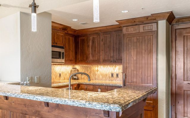 Ritz Residential Suites hs707 - photo 4