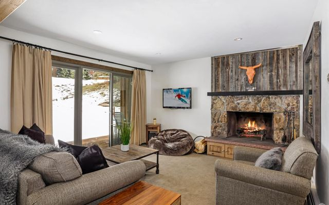 4508 Meadow Drive #101 Vail, CO 81657