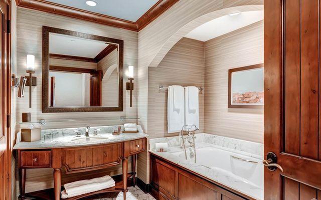 Ritz Residential Suites hs613 - photo 10