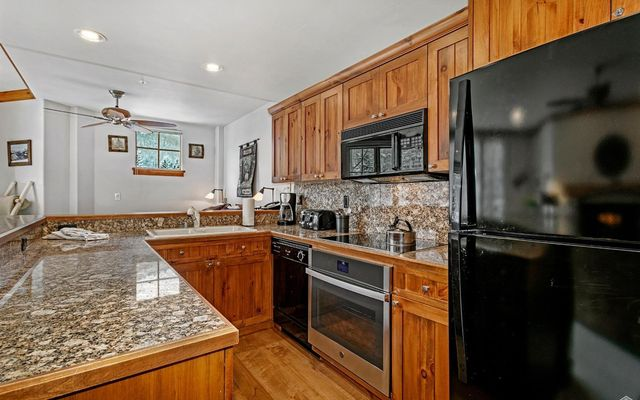 Elkhorn Lodge Condo 205 - photo 7