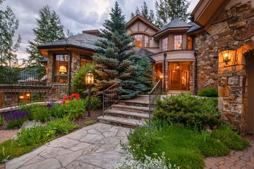 1085 Riva Glen Vail, CO