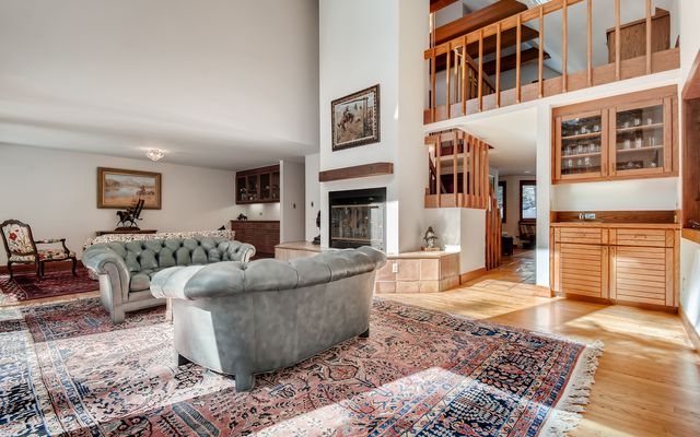 272 West Meadow Drive A - photo 18