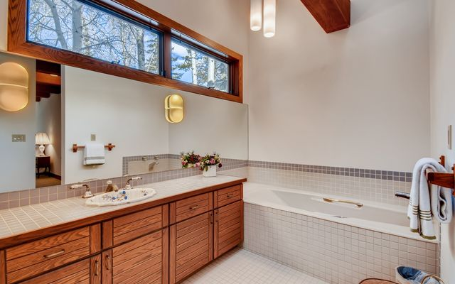 272 West Meadow Drive A - photo 29