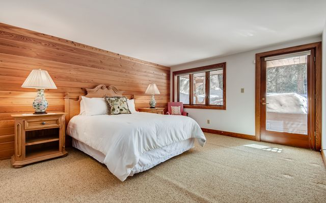 272 West Meadow Drive A - photo 31