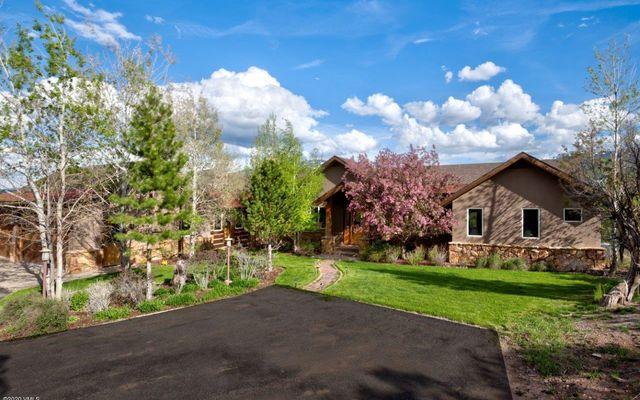 1055 Cottonwood Pass Road B - photo 3