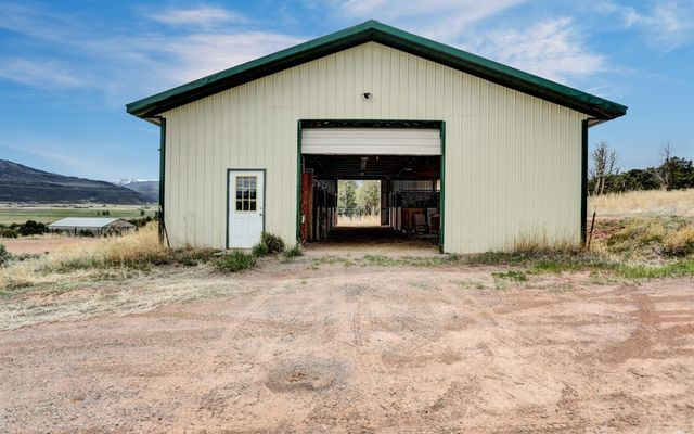 1055 Cottonwood Pass Road B - photo 37