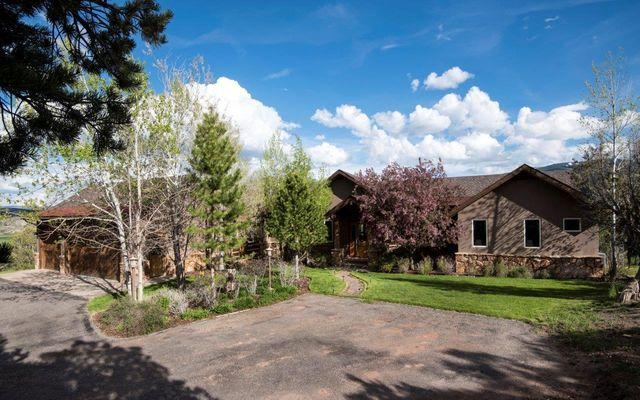 1055 Cottonwood Pass Road B - photo 46