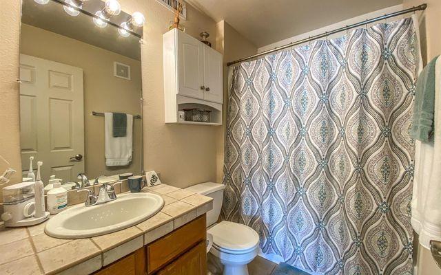Mountain Glen Condominiums h202 - photo 8