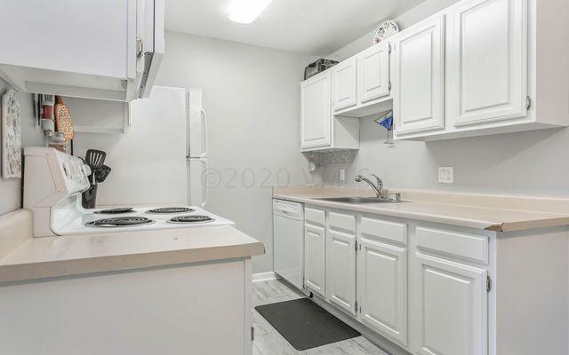 Liftview/Sunridge Condos 1 d208 - photo 6