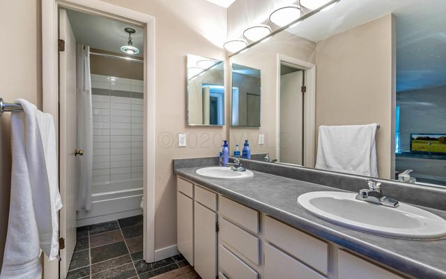 Met Townhome 3 - photo 7