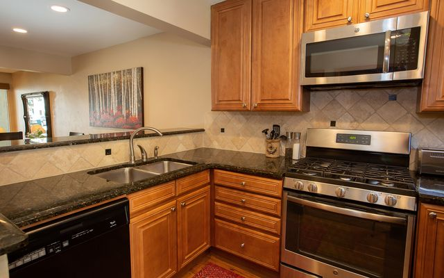 Vail Village West 2 Ptarmigan Townhomes 31 - photo 6