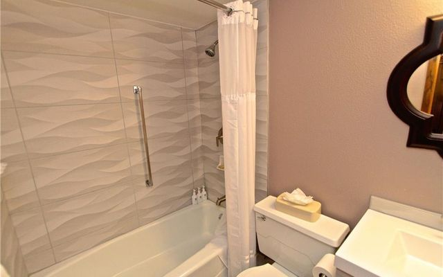 Mountain Plaza Condo 508 - photo 8