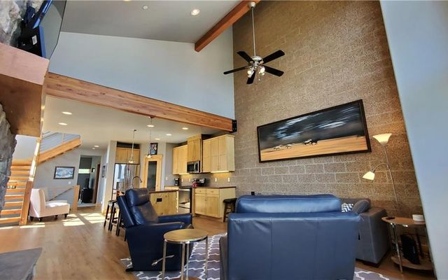 Laredo Lofts Townhomes 26 - photo 3