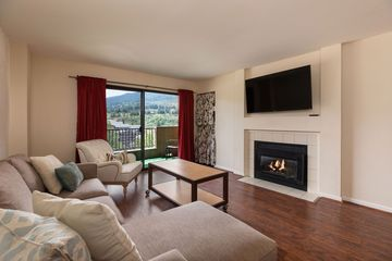 137 Benchmark Road #406 Avon, CO