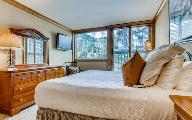 Vail Spa Condominiums 302 - photo 2