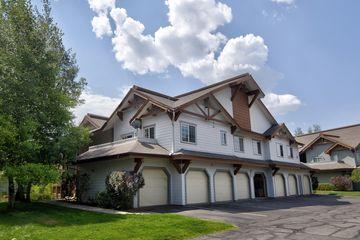 2103 Crazy Horse Circle Edwards, CO