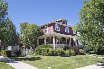 220 Longview Avenue Eagle, CO