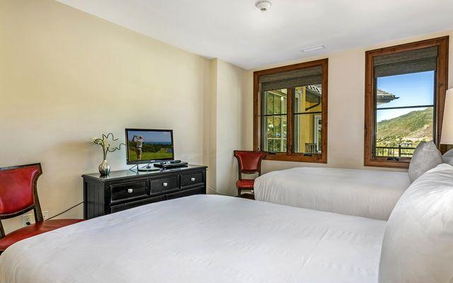 Ritz Carlton Residences R-408 - photo 17