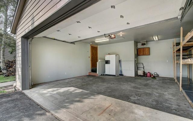 210 E Fox Court - photo 21