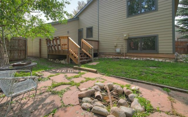210 E Fox Court - photo 23