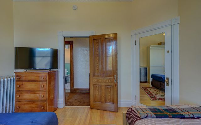 815 Harrison Avenue - photo 29