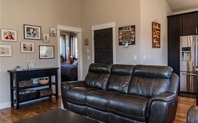 255 Flannigan Circle - photo 6