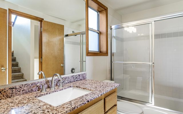 Snowberry Townhome 2 - photo 18
