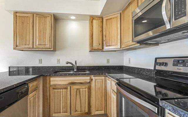 Snowberry Townhome 2 - photo 4