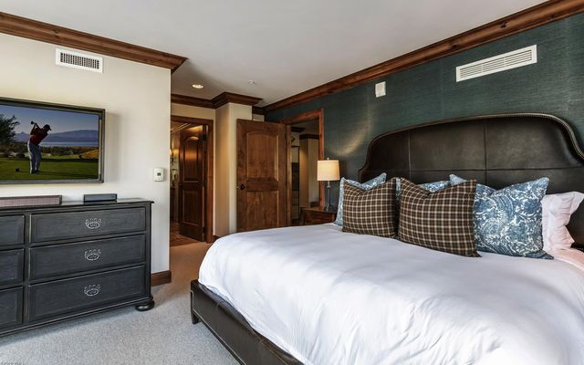 Ritz Carlton Residences R-516 - photo 14