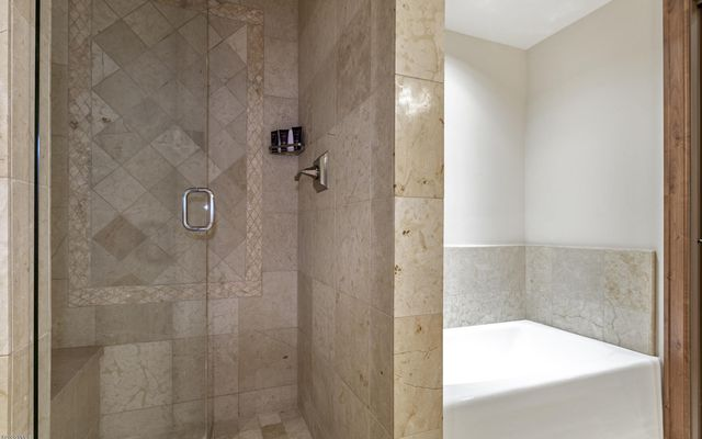 Ritz Carlton Residences R-516 - photo 16
