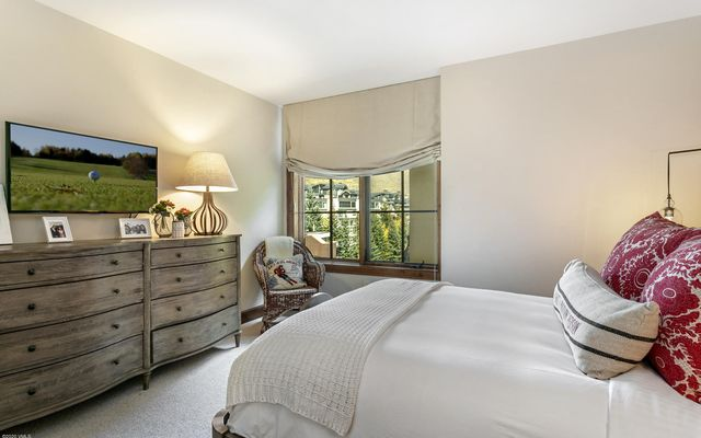 Ritz Carlton Residences R-516 - photo 17