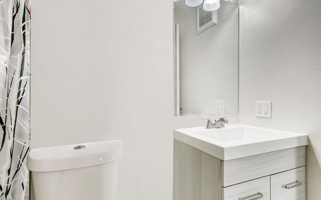 Benchmark Condominiums c6 - photo 8