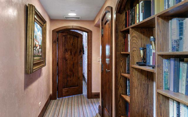 The Lodge Apt Condo 411 - photo 21