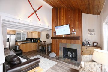 2823 Kinnikinnick Road 6B Vail, CO 81657