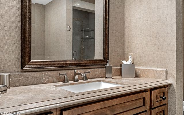Ritz Carlton Residences R-6 - photo 16