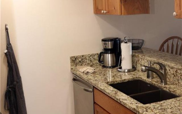 Spinnaker At Lake Dillon Condo 106b  - photo 14