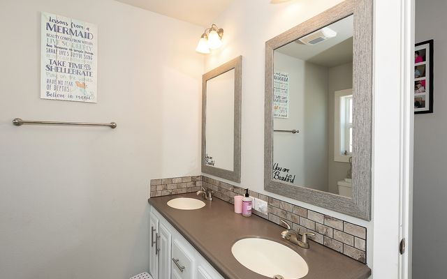 427 Steamboat Drive - photo 12