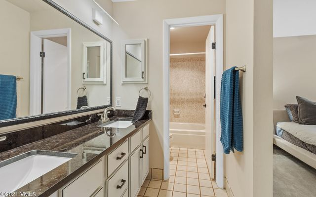 Met Townhome 2 - photo 21