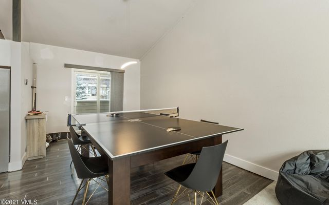 Met Townhome 2 - photo 9