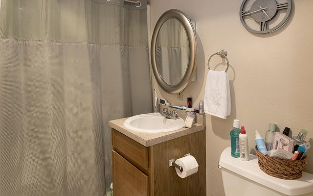 711 Meadow Court - photo 13