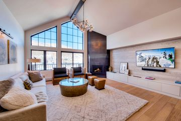 210 Offerson R-407 Beaver Creek, CO 81620