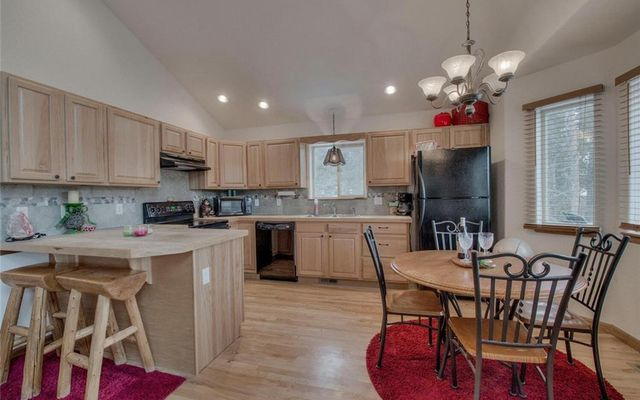 1471 Valley Of The Sun Drive - photo 4