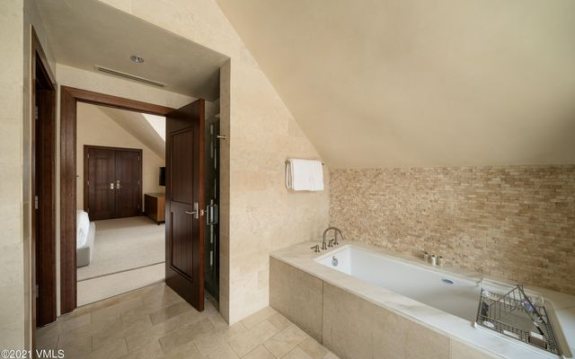 Solaris Residences Penthouse F Wes - photo 25