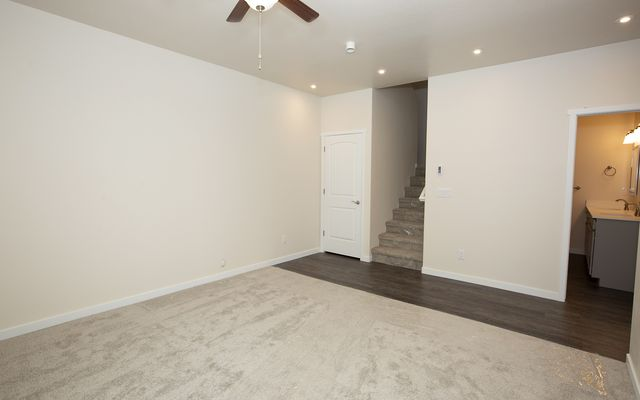 1055 Hawks Nest - photo 9