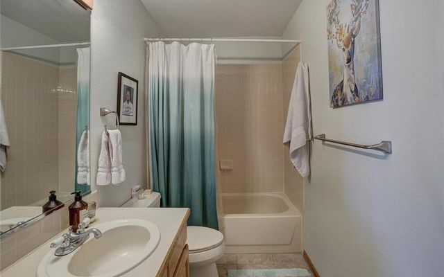 Village Point Townhomes At Breck 112 - photo 15