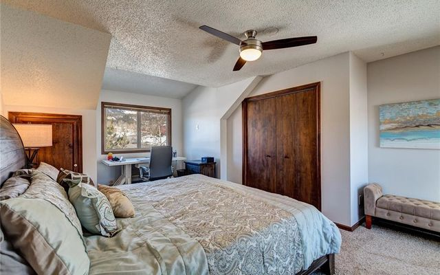 248 E Coyote Court - photo 12